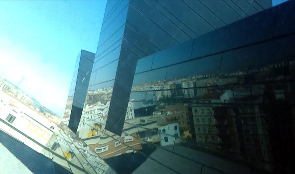 Desde La Terraza Del Museo Pablo Serrano De Zaragoza Texto