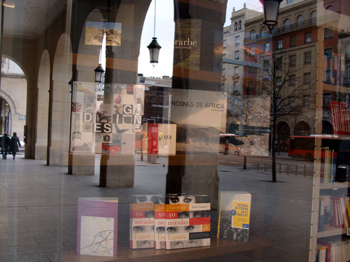 Reflejos de escaparate paseo de la Independencia Zaragoza